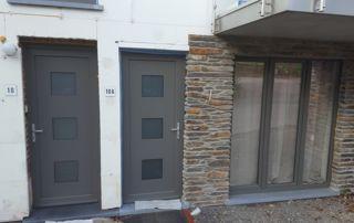 portes et châssis gris quartz