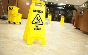 Panneau de prévention lors du nettoyage