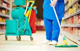 Chariot et matériel de nettoyage