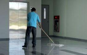 Nettoyage de sol commun d'immeuble