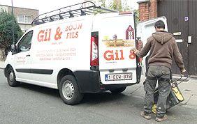 camionnette Gil & Fils avec personnel