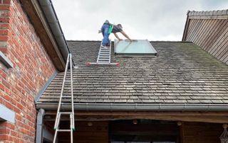 Laveurs de vitres velux en hauteur