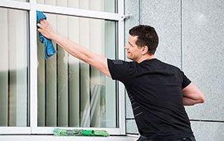 Nettoyage de vitres de bureaux