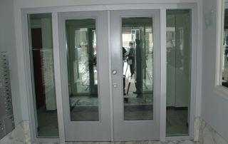 porte vitrée immeuble