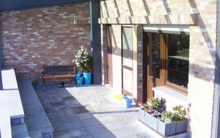 aménagement terrasse pierre naturelle