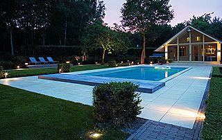 éclairage extérieur piscine