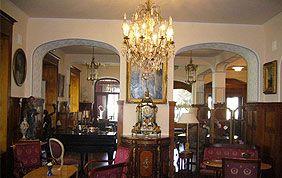 magasin d'antiquités et meubles anciens
