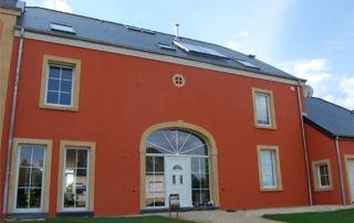 maison à Charleroi avec menuiseries extérieures en PVC