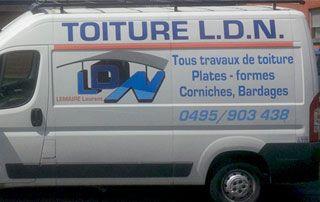 camionnette de LDN Toitures avec informations