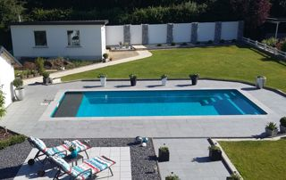 grande piscine rectangulaire
