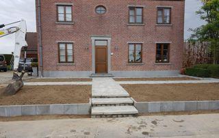 aménagement terrasse devant maison