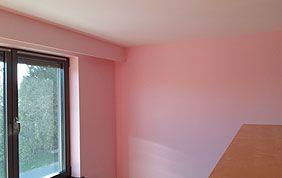 Murs peints en rose
