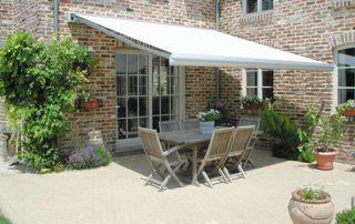 tente solaire sur terrasse