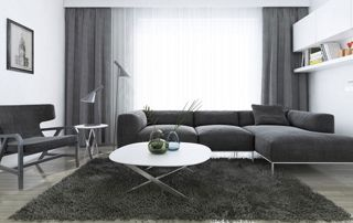 tentures gris foncé dans un salon