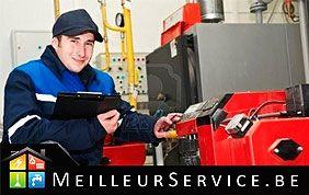 Réparateur au travail