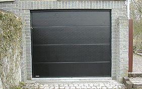 porte de garage en PVC  noir
