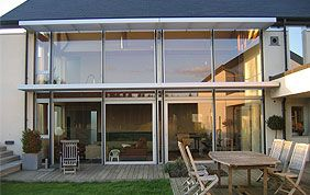 maison avec châssis en PVC