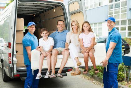 famille en train de déménager
