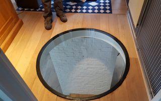 fenêtre ronde au sol