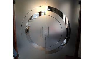 double porte vitrée avec motif