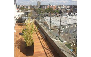 balcon avec garde-corps vitré
