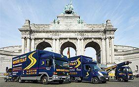 camions de déménagement devant cinquantenaire bruxelles