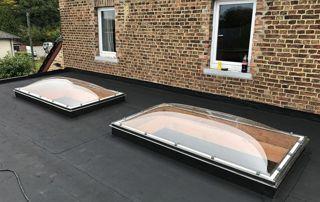 toiture EPDM avec fenêtres