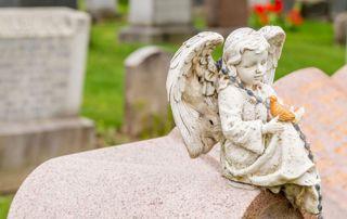 pierre tombale avec ange