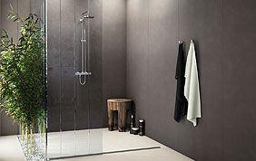 Carrelage mural noir pour salle de bain