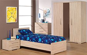 chambre enfant classique en bois clair