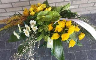 montage de fleurs pour funérailles
