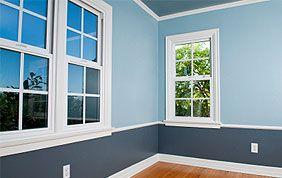 murs peints en blau clair et foncé