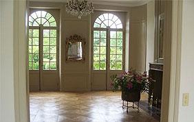 beau plancher en chêne massif dans salon