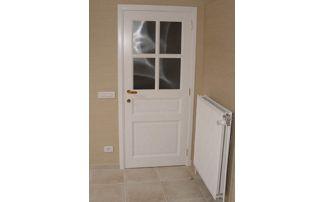 porte intérieure peinte en blanc