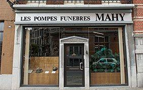 devanture maison de pompes funèbres