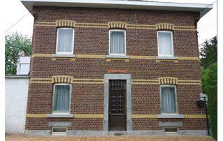 belle maison avec façade rénovée