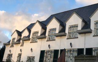 habitation avec toit incliné