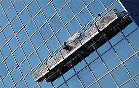 nettoyage de vitre avec nacelle