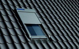 fenêtre Velux sur toiture en tuiles