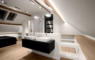 salle de bain aménagée sous combles