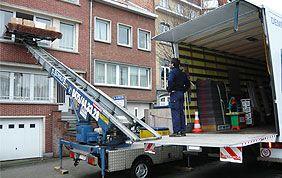 chargement avec lift pour déménagement