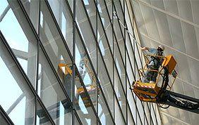 nettoyage vitres immeuble par l'intérieur
