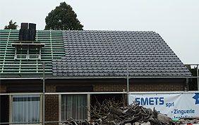 Construction de toit en cours