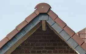 faîte toiture inclinée
