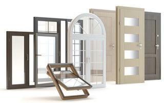 variété de portes et châssis en bois