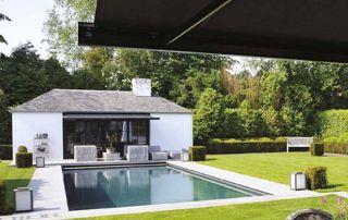 Tente solaire jardin piscine