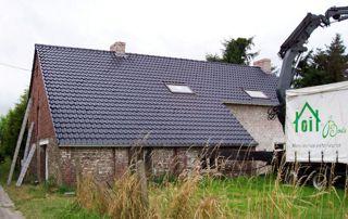maison avec toiture en tuiles