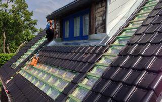 placement de tuiles sur toiture