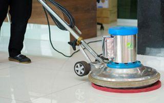 Machine pour nettoyer les sols