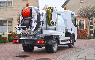 Camion de débouchage d'égouts